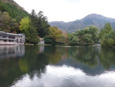 由布岳と湖